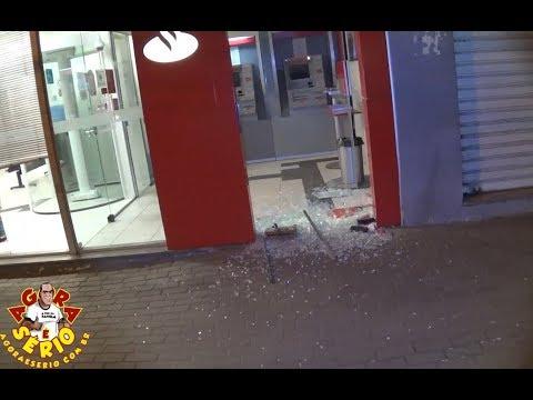 Bandidos explodiram caixas eletrônicos da Caixa Econômica e Santander de Juquitiba