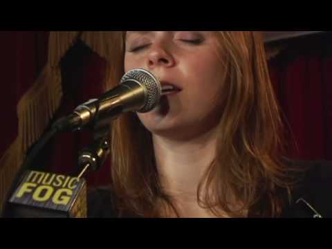 "Annie & the Beekeepers ""Like a Dog"""