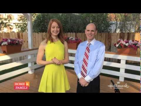 .@aliciawitty talks about her great experience making @hallmarkchannel #VeryMerryMixUp movie