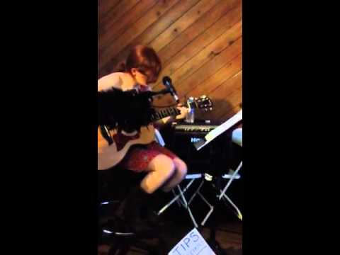 What's Up - 4 Non Blondes - Acoustic Cover - Brittany Zahler Live