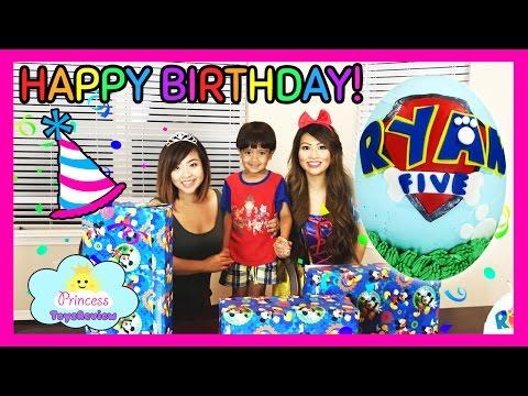 BIRTHDAY PARTY: Paw Patrol Cake with TOY SURPRISE Inside Cake Smash with Ryan & Princess T