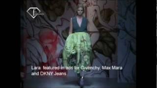 Fashiontv | FTV.com - Lara Stone Models S/S 08