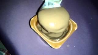 me eat choclate yogut