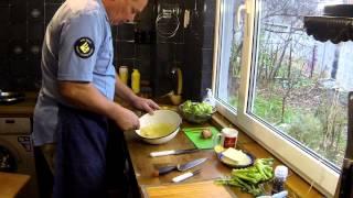 капуста Брокколи в легком тесте  Куропатки  Жареная синяя картошка