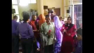 preview picture of video 'Perkahwinan Shafa & Faiz 1/9/12 @ Yg Tersayang (karaoke)'
