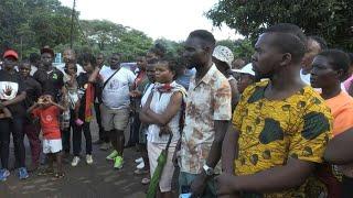 Malawi: supporters of self-proclaimed prophet Bushiri outside court after arrest | AFP