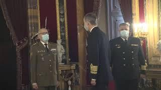 Audiencia militar a un grupo de coroneles y capitanes de Navío