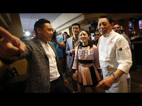 524896956 Director of 'Crazy Rich Asians' returns to family Bay Area restaurant
