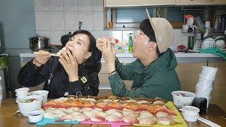일상: 엄마가 초밥 먹고 싶다 하셔서 초밥 100개를...