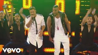 Ricky Martin - La Mordidita Ft. Yotuel Premios Juventud 2015  Courtesy Of Univision