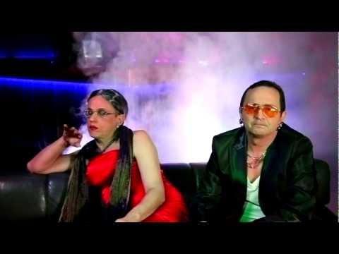 Kabaret pod Wyrwigroszem - Ona tańczy dla mnie