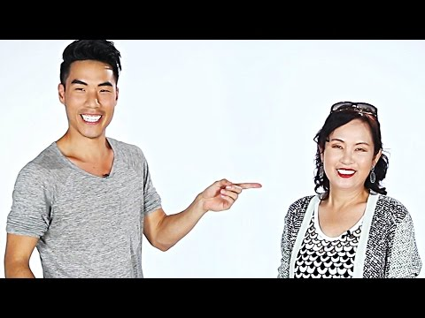 Asian Moms And Their Kids Imitate Each Other (видео)