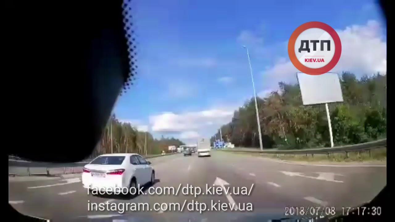 Chevrolet летит по встречке кувыркаясь на Житомирской трассе