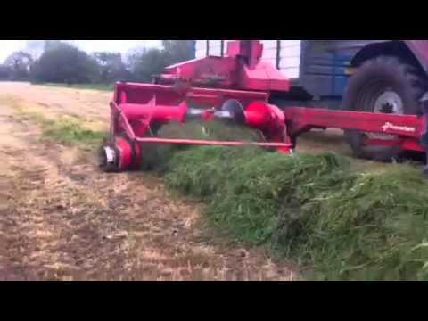 Kverneland Taarup Ten X Lifting Silage (2015)