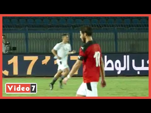 رمضان صبحي يغادر في هدوء وحوار بين مصطفى محمد والحكم عقب انتهاء الشوط الاول