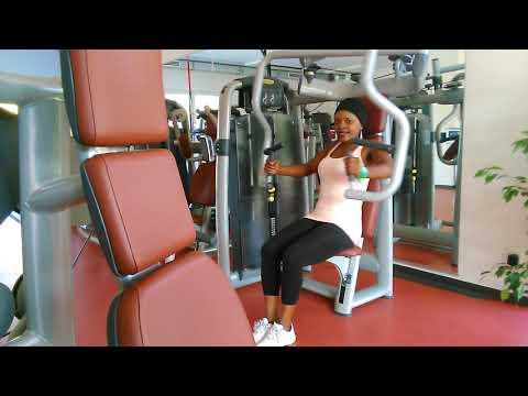 Die Öbungen auf dem Trainergerät für die Abmagerung des Bauches und der Seiten Videos