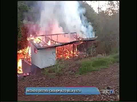 Incêndio destrói casa em Alto Bela Vista