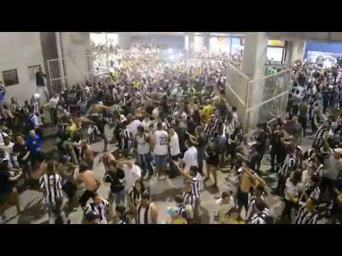 """""""OS LOUCOS PELO BOTAFOGO"""" Barra: Loucos pelo Botafogo • Club: Botafogo"""