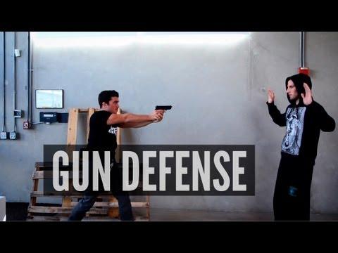 How to Disarm a Gunman (видео)