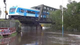 preview picture of video 'RC 01 por puente Reconquista (03-11-2014)'