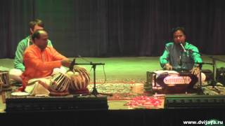 Milind and Sandip Dalal in Russia. Sahaja Yoga program - Милинд и Сандип Далал
