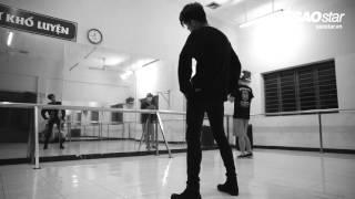 [SAOSTAR.VN] Đột kích phòng tập đêm của Noo Phước Thịnh