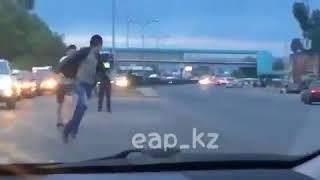 """""""Равнодушный полицейский"""" уволен за бездействие в Алматы"""