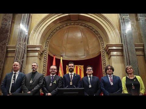 Οι αυτονομιστές συνεχίζουν να ελέγχουν το καταλανικό κοινοβούλιο…