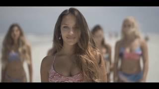 Kadr z teledysku Bella Mamasita tekst piosenki Stachursky ft. Dr. Bellido