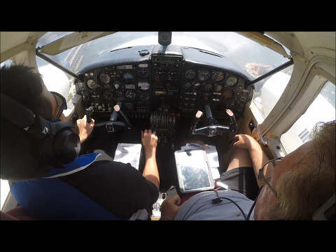 Flying a Turbo Piper Aztec