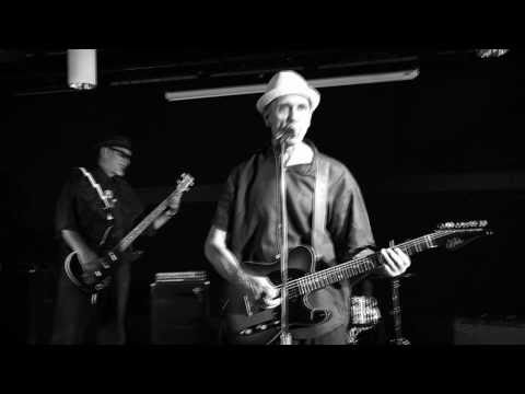 Billy D and The Hoodoos - Somethin's Wrong