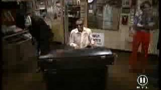 Ray Charles ft. The Blues Brothers - Twist it (Shake Your Tail Feathers)