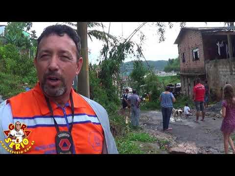 Defesa Civil de Juquitiba na Destruição da Chuva nas Casas da Favela dos Brancos