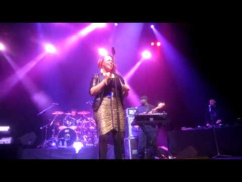 Faith Evans - I Don't Need It (live in London 2010)
