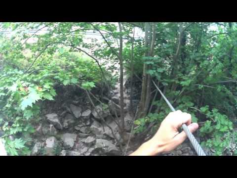 Puente de dos cables de acero desfiladero de la hermida