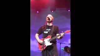 Walk of life — Mark Knopfler 2001 Portland LIVE [excellent version!]