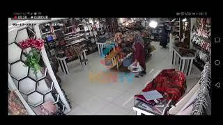 Konya'da eşarp mağazasından hırsızlık!