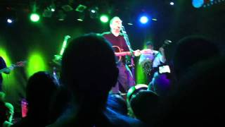 "John Hiatt ""Perfectly good guitar"" 28_10_2010 Barcelona"