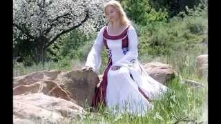 Corde Micante:  Mittelalter Brautkleider - Medieval Wedding Dresses - Robe De Mariée Médiévale