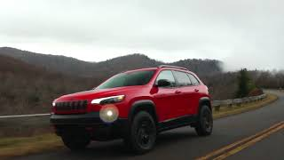 YouTube Video DNIkfL8cKXg for Product Jeep Cherokee Crossover (5th Gen) by Company Jeep in Industry Cars