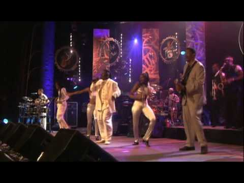 Earth, Wind & Fire (7/19) -  Lets Groove