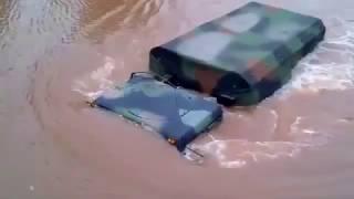 ► ► ► Kierowca Jedzie Pod Wodą!