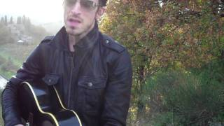 Jimmy Gnecco somewhere in Tuscany