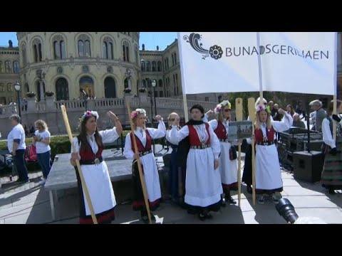 العرب اليوم - شاهد: مظاهرات نسائية في النرويج للمطالبة بإغلاق مستوصفات الولادة