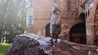 Похищена скульптура японского философа, созданная специально для Веряжского сквера