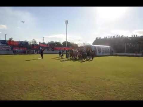 """Güemes vs Atenas río IV - TRA (vuelta) recibimiento"" Barra: Los Pibes • Club: Güemes"