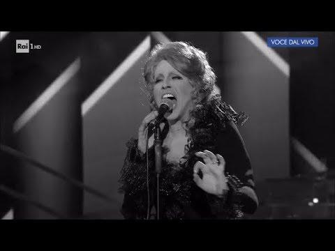 """Federico Angelucci interpreta Mina: """"Amor mio"""" - Tale e Quale Show 29/09/2017"""