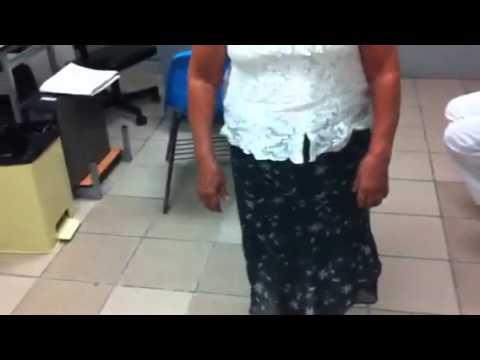 El dolor de espalda bajo vientre tira y manchado