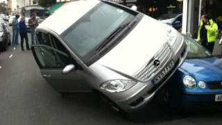 preview picture of video 'Parking in East Molesey'