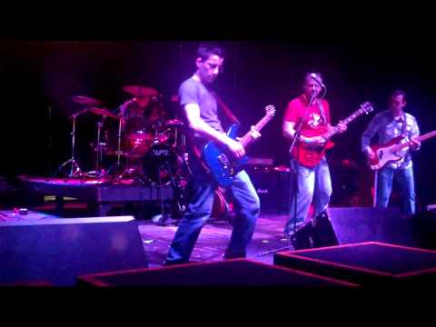 "Joe Hero - Foo Fighters tribute  ""Everlong"""